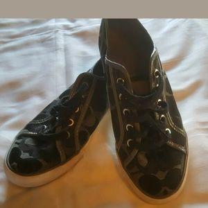 Coach signature women's tennis shoes size 8.5